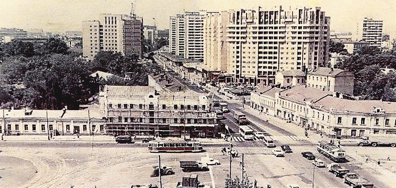 К концу 1980-х здание было снесено