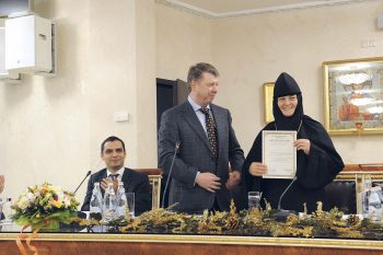 Торжественное вручение Свидетельства о соответствии категории «5 звезд» монастырской гостиницы Покровского женского монастыря