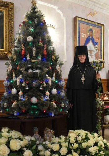Директор гостиницы, Игумения Феофания поздравляет всех гостей с Рождеством Христовым!