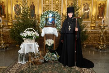 Поздравление Настоятельницы Покровского монастыря игумении Феофании с праздником Рождества Господа Бога и Спаса нашего Иисуса Христа