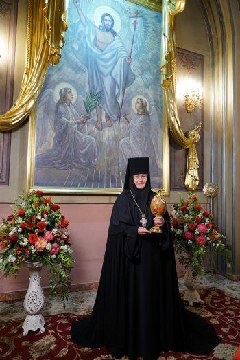 Поздравление Игумении Феофании со светлым праздником Святой Пасхи!