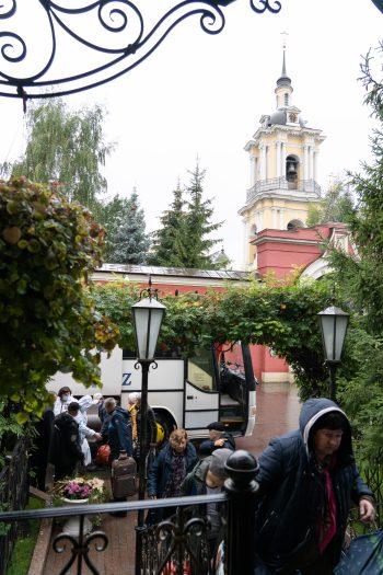 Заезд группы паломников из Санкт-Петербурга
